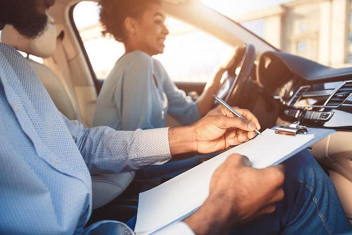 Cómo se obtiene la licencia de conducir internacional en Chile